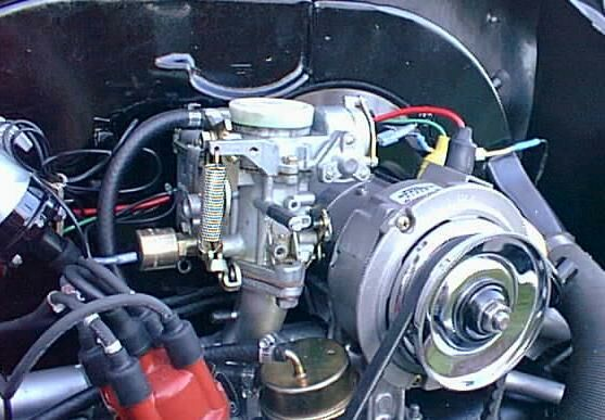 alternator with internal voltage regulator